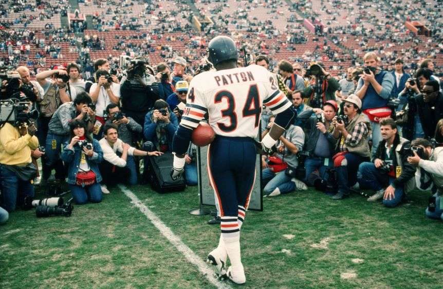 Walter Payton >> Throwback Thursday: The Time Walter Payton Played Quarterback For The Bears – Joe Montana's ...