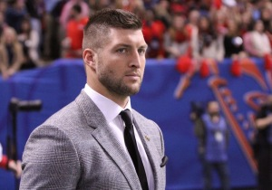 January 1, 2016: SEC Network's Tim Tebow on the sidelines during the Allstate Sugar Bowl between the Ole Miss Rebels and the Oklahoma State Cowboys at the Mercedes-Benz Superdome in New Orleans, La. (Photo by Scott Donaldson/Icon Sportswire)