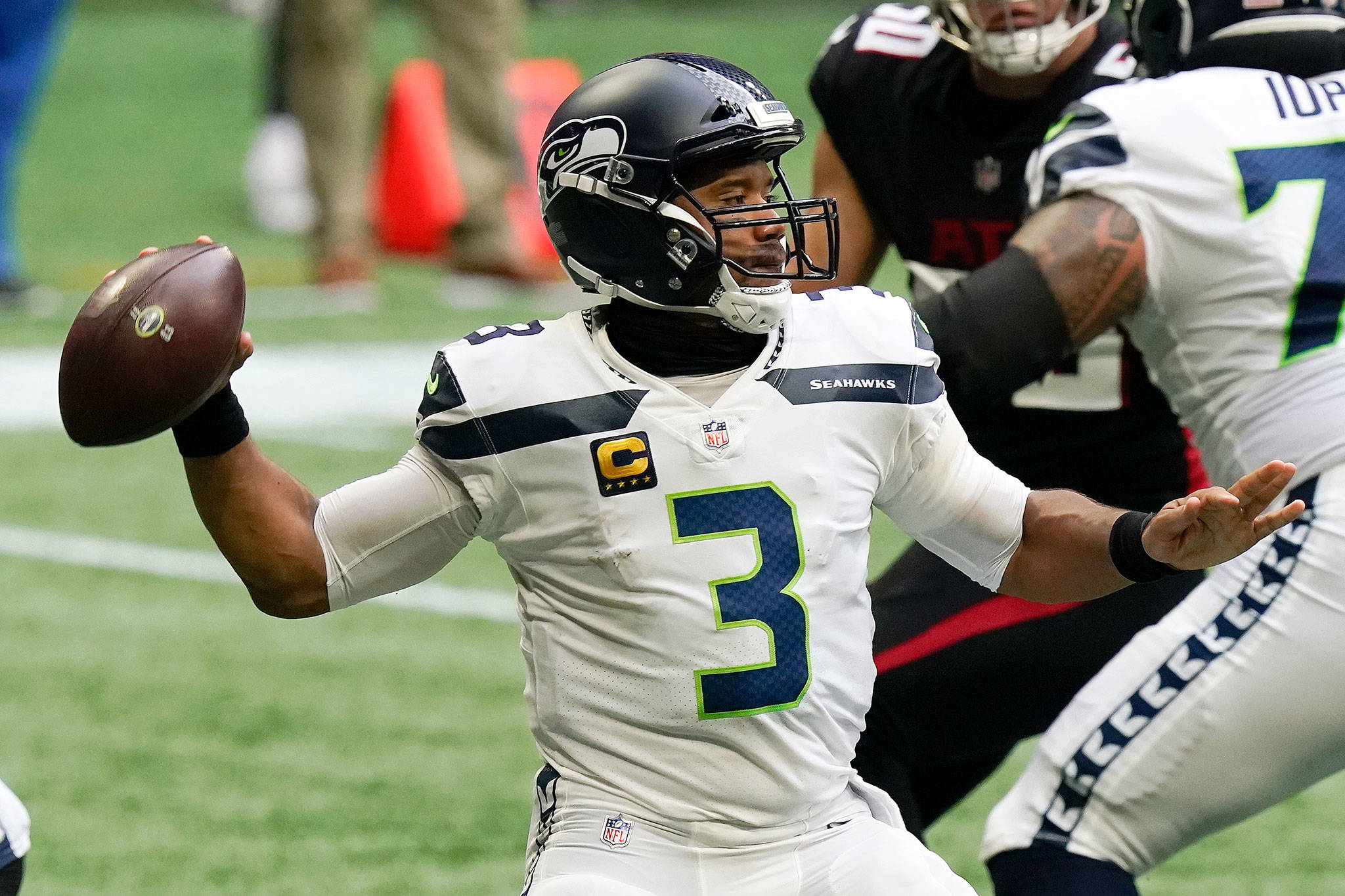 Russell Wilson Cooks; Tom Brady Goes Belly Up In New Orleans